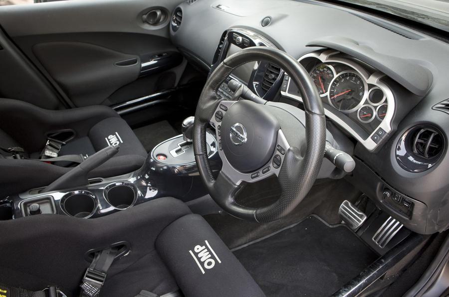Nissan Juke R dashboard