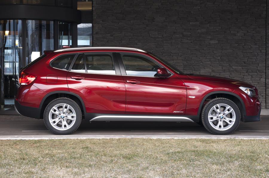 BMW X1 xDrive 28i side profile