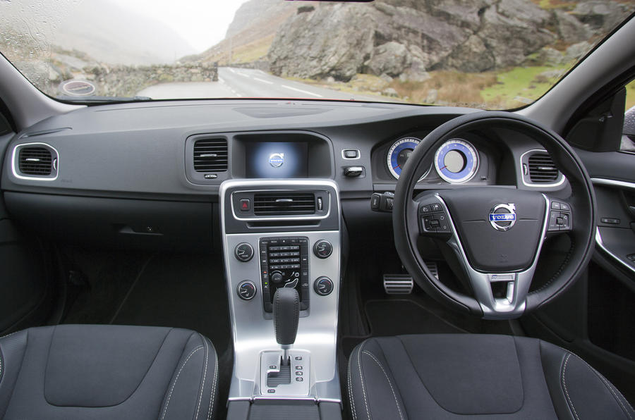 Volvo S60 1.6 T3 dashboard