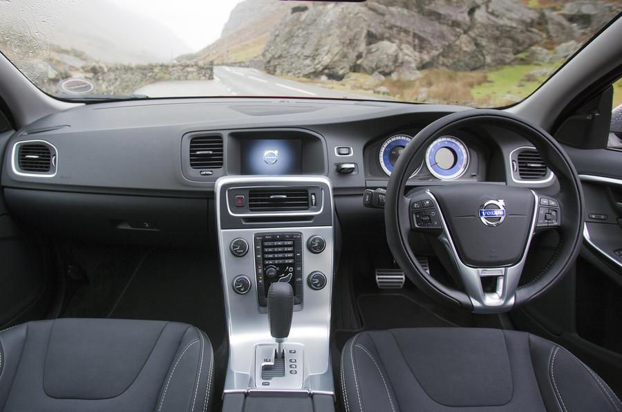 Volvo S60 1.6 T3 dashboard