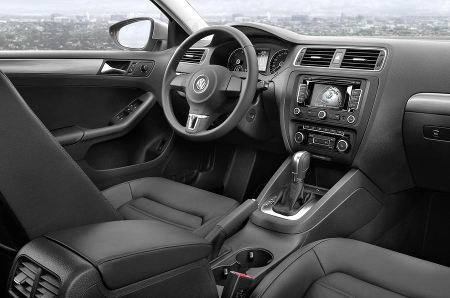 Volkswagen Jetta 1.6 TDI Bluemotion dashboard