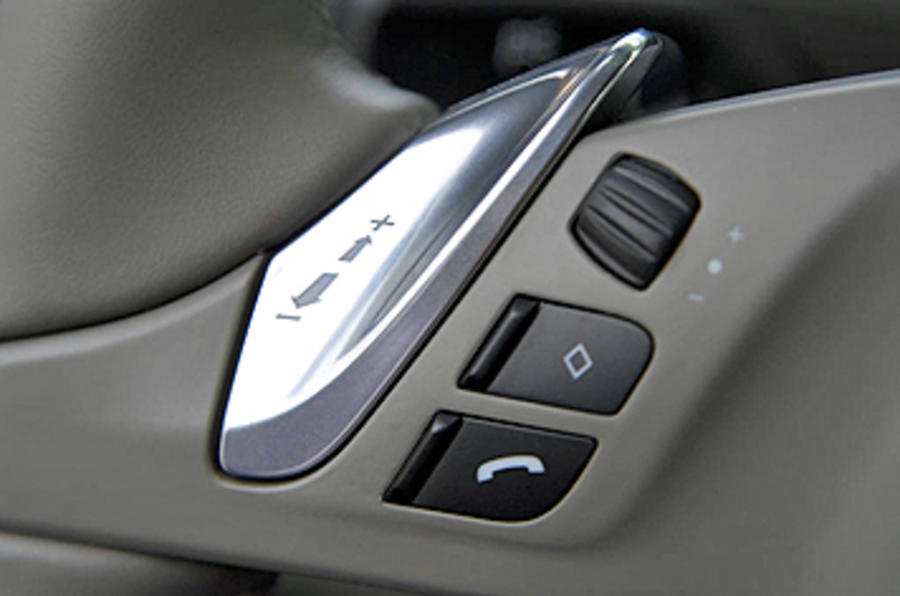 Porsche Panamera Turbo switchgear