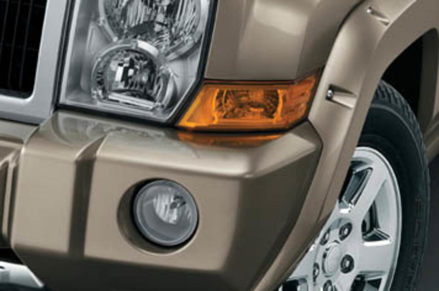 jeep commander 5 7 v8 review autocar. Black Bedroom Furniture Sets. Home Design Ideas
