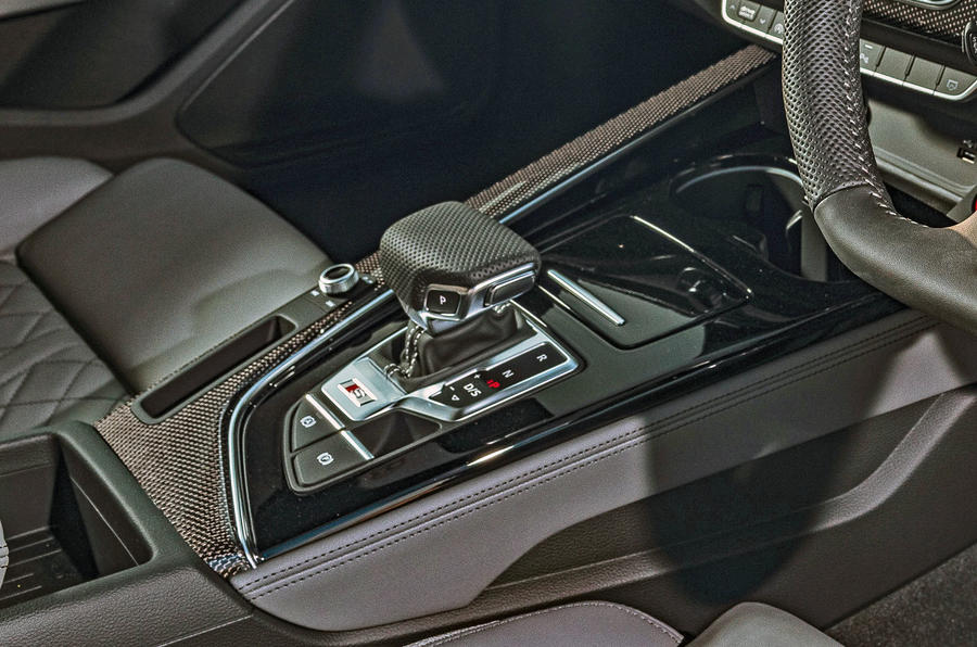 Audi S4 TDI 2019 road test review - centre console
