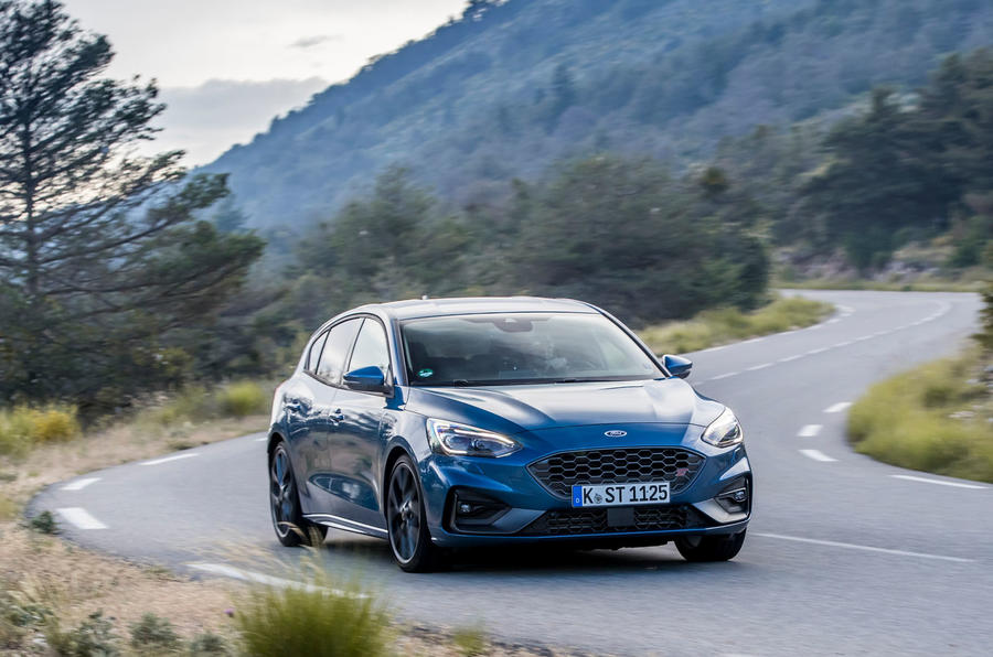 Ford Focus ST 2019 review - cornering front