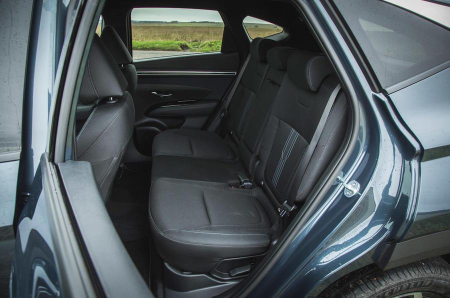 19 Hyundai Tucson 2021 essai routier sièges arrière