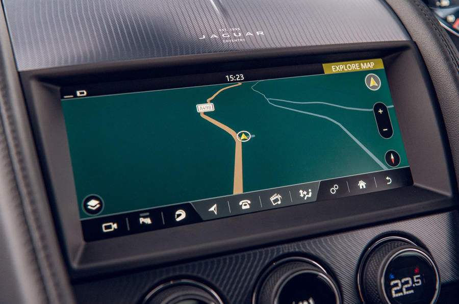 Jaguar F-Type 2020 road test review - infotainment