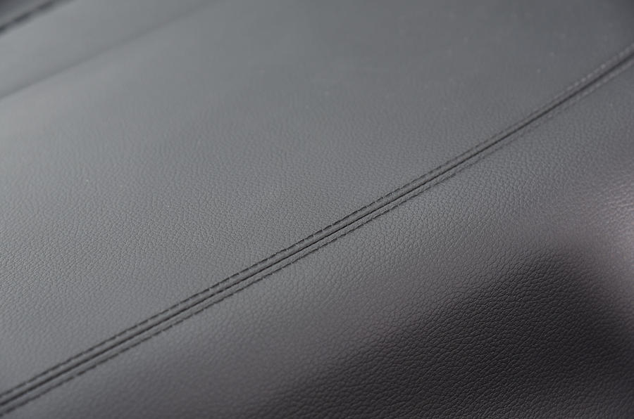Kia Ceed 2018 road test review dashboard trim