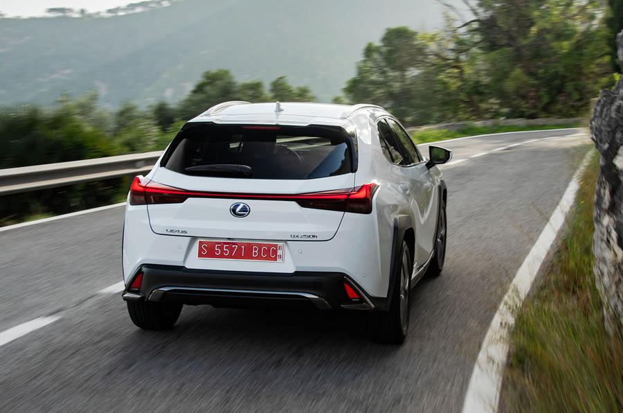 Lexus UX 2019 road test review - on the road back