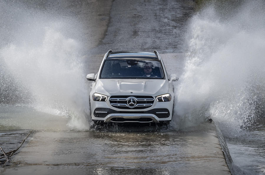 Mercedes-Benz GLE 2018 review - splash
