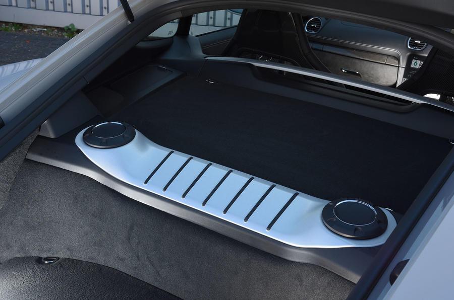 Porsche 718 Cayman GTS 2018 review speakers
