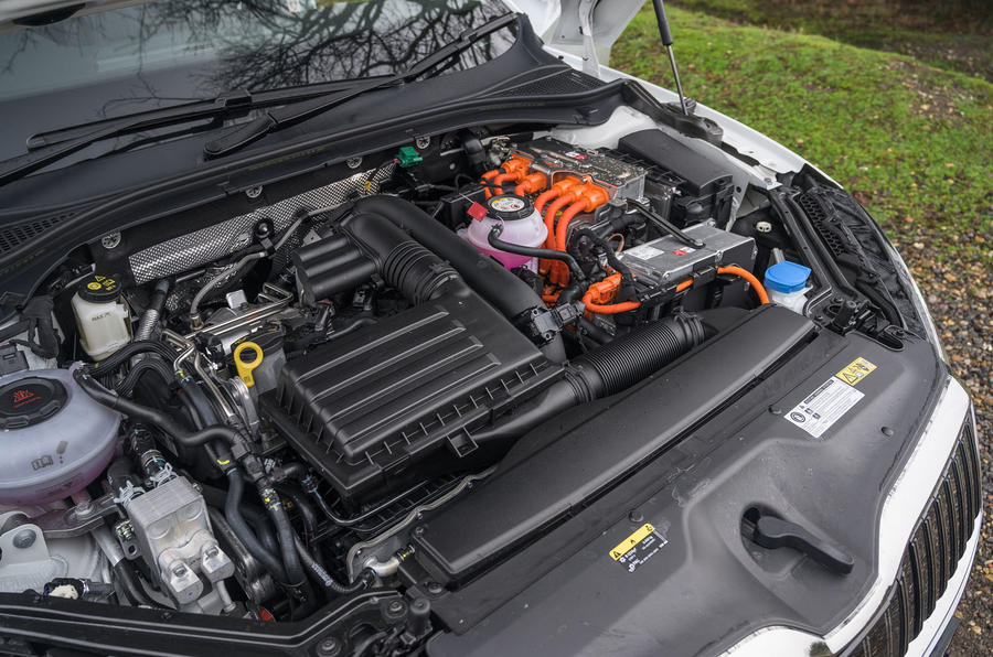 Skoda Superb iV 2020 road test review - engine