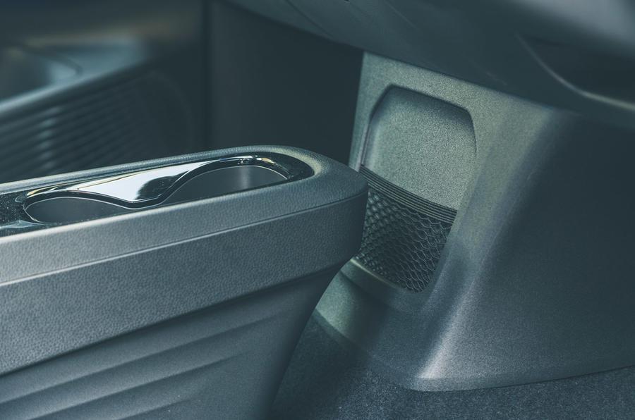 19 VW ID 3 2021 essai routier poches