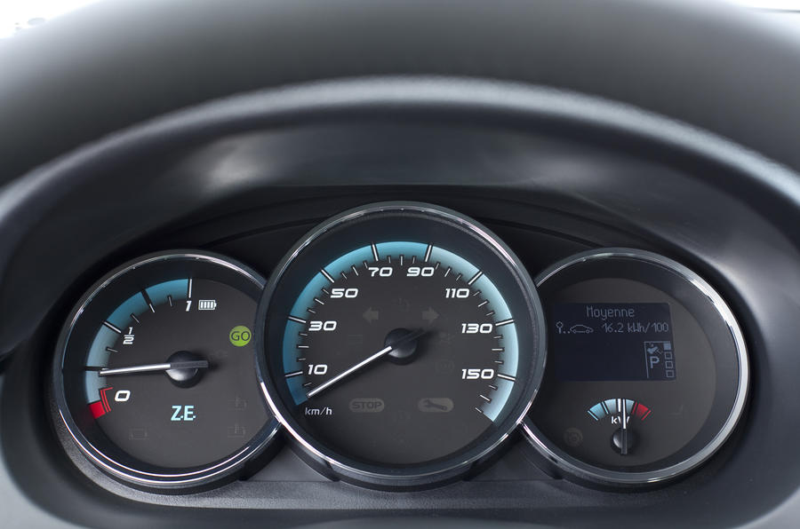 Renault Fluence ZE instrument cluster