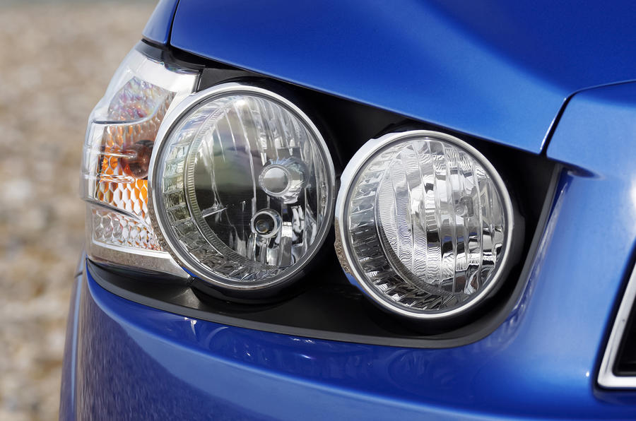 Chevrolet Aveo headlight