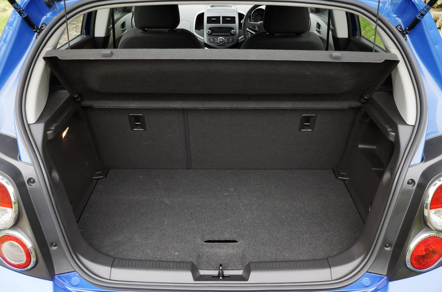 Chevrolet Aveo boot space
