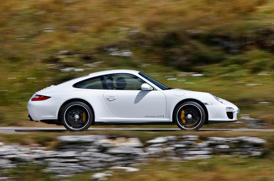 £76,758 Porsche 911 Carrera GTS