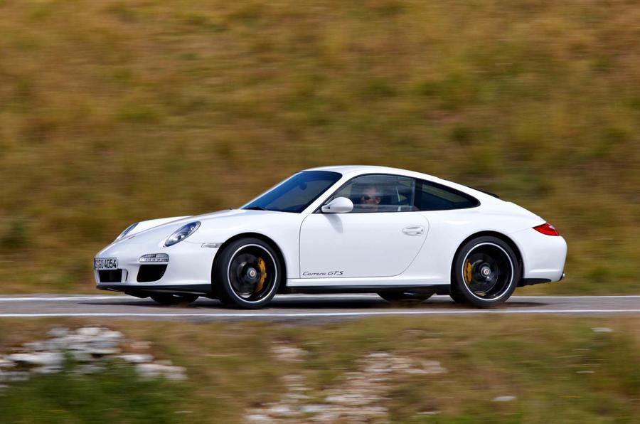 Porsche 911 Carrera GTS side profile