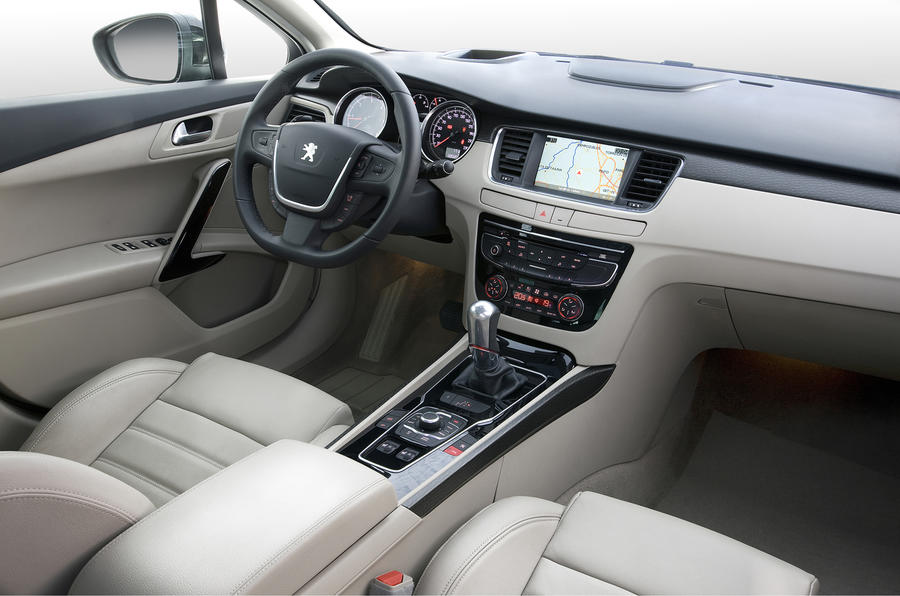 Peugeot 508 HDi GT dashboard
