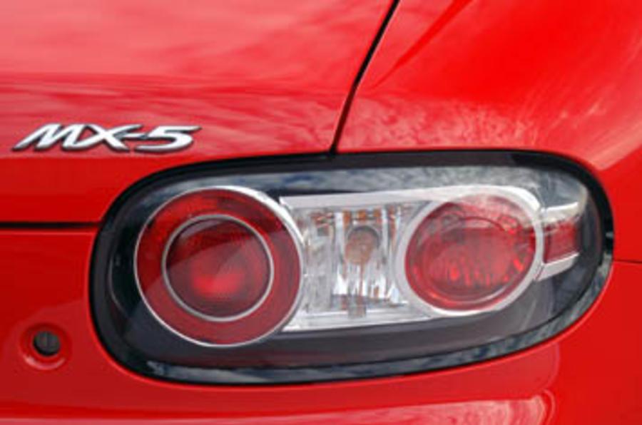 Mazda MX-5 2.0i