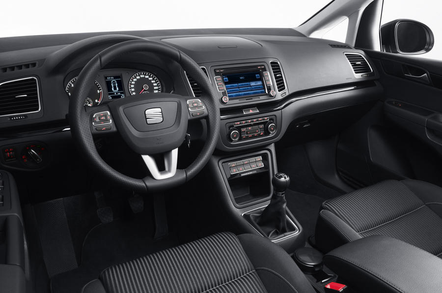 Seat alhambra se 1 4 tsi review autocar for Interieur tuning shop