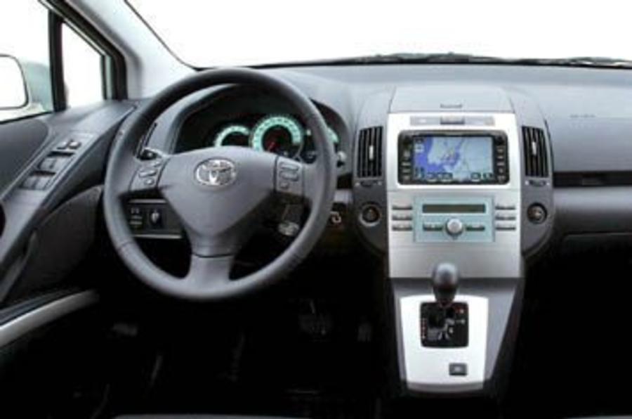 Toyota Verso 1 8 Vvt I Review Autocar