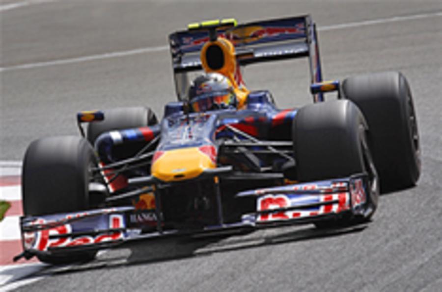Vettel sets Silverstone pace