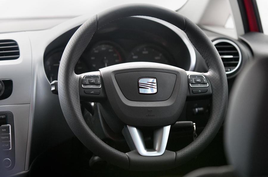 Seat Leon steering wheel