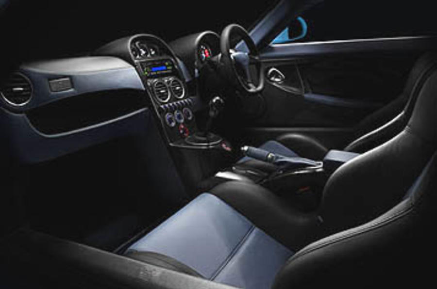 Noble M600 seating