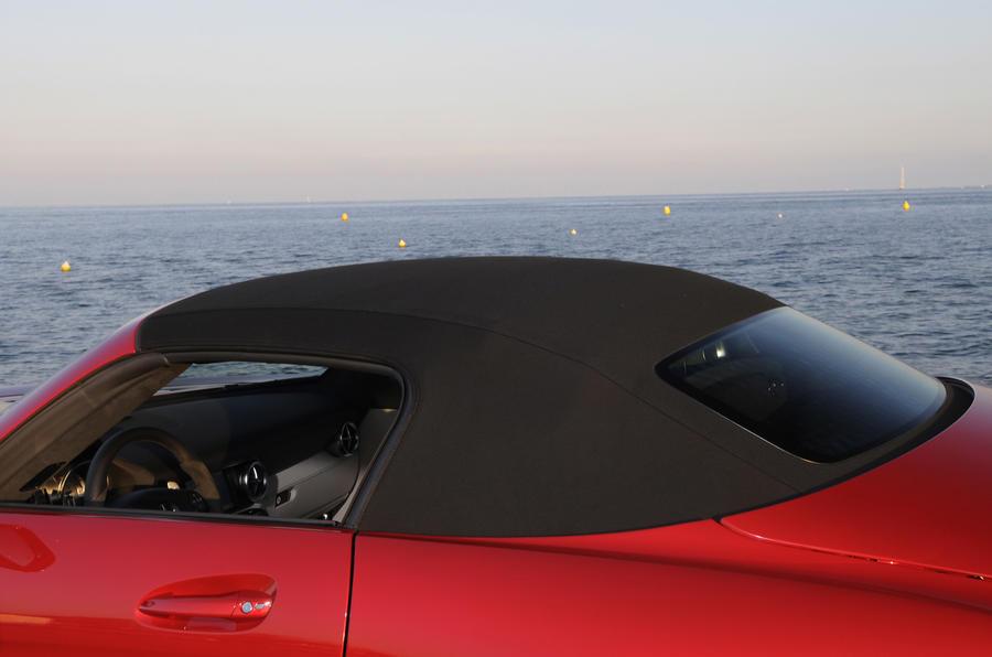 Mercedes-Benz SLS AMG Roadster roof closed