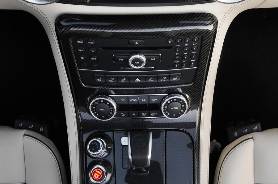 Mercedes-Benz SLS AMG Roadster centre console