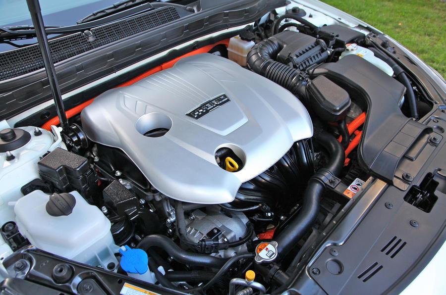 2.4-litre Kia Optima hybrid engine