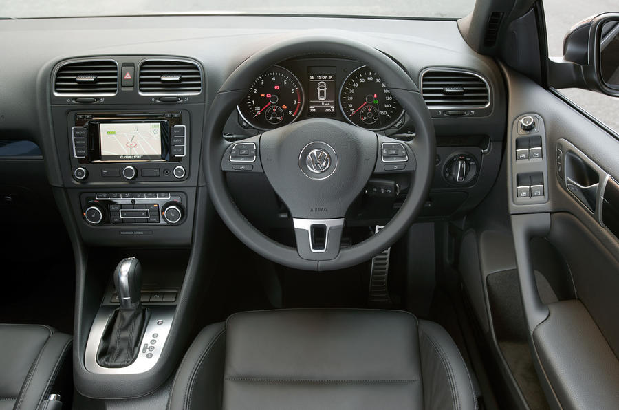 Volkswagen Golf Cabriolet dashboard