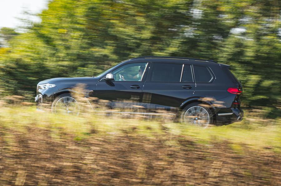 BMW X7 2020 : essai routier - côté héros