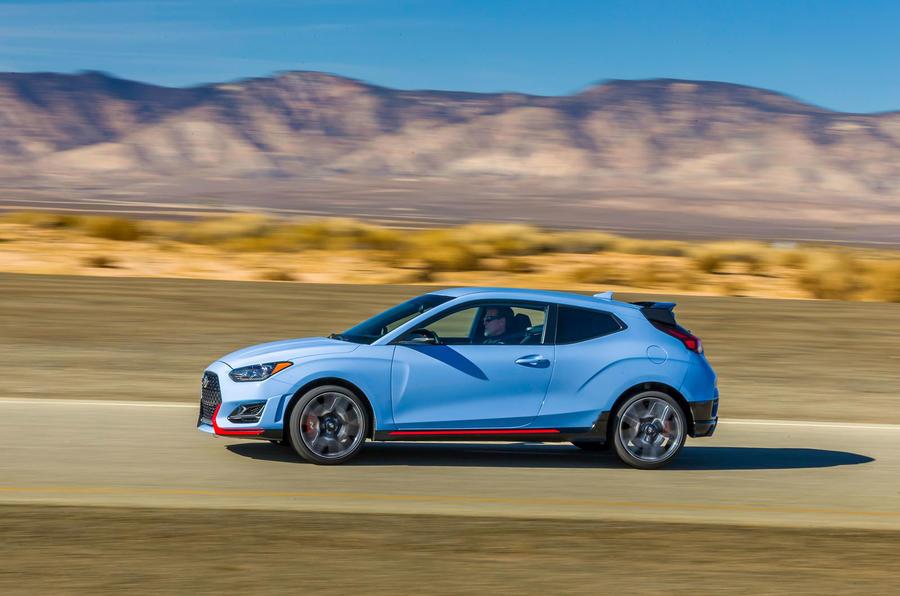 Hyundai Veloster N 2018 review - hero side