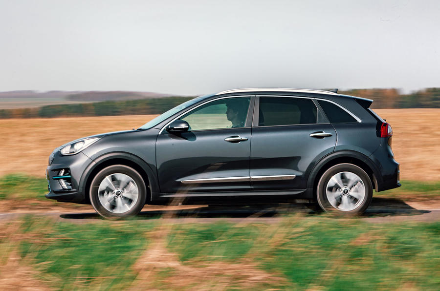 Kia e-Niro 2019 road test review - hero side