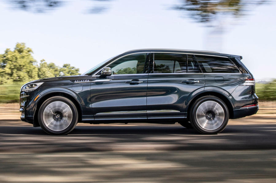 Lincoln Aviator 2020 road test review - hero side