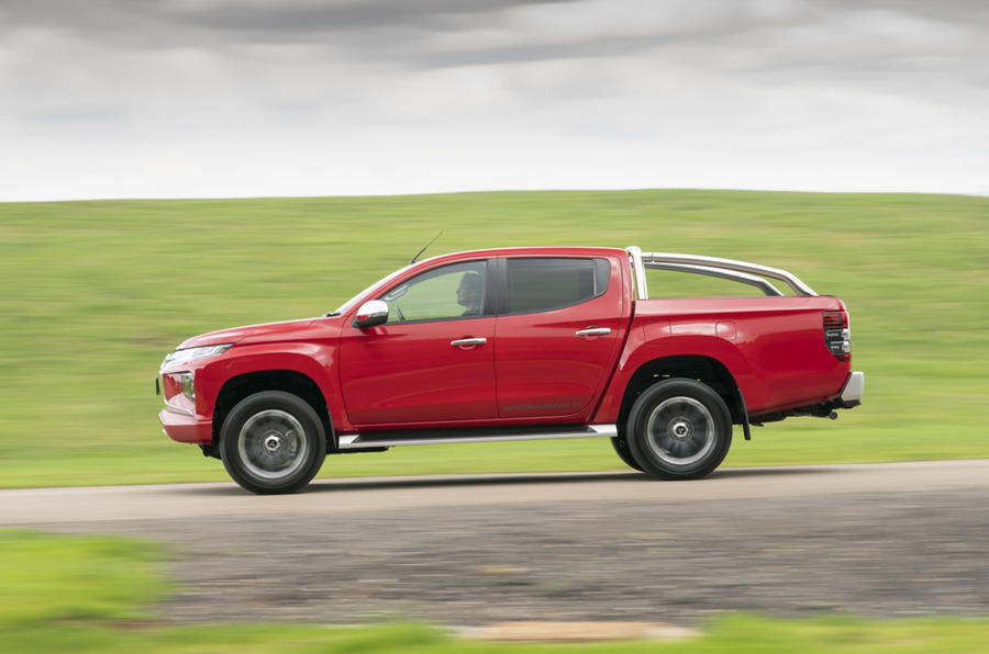 Mitsubishi L200 2019 road test review - hero side