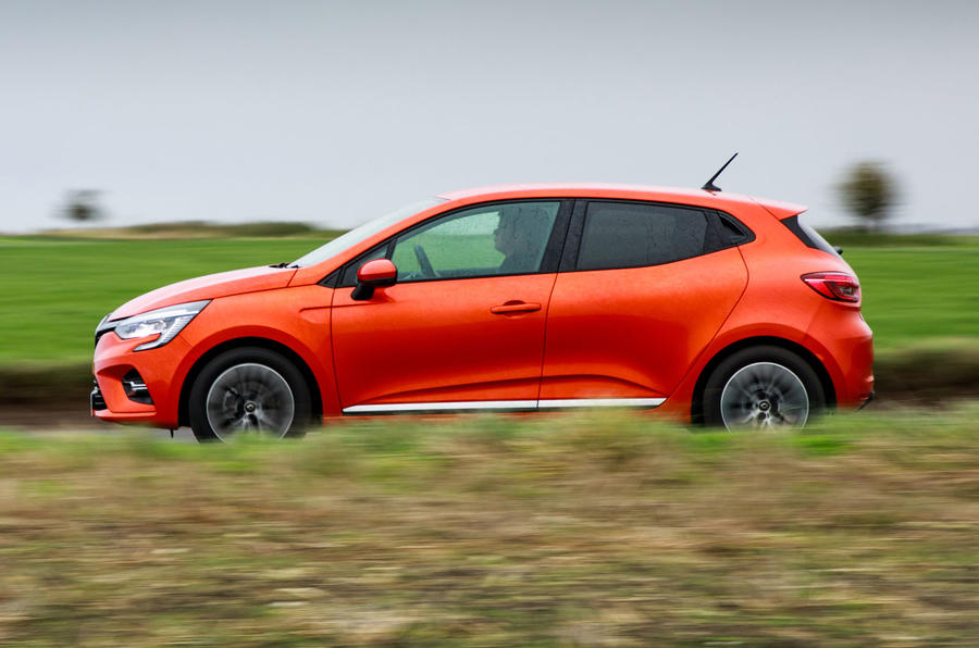 Renault Clio 2019 road test review - hero side