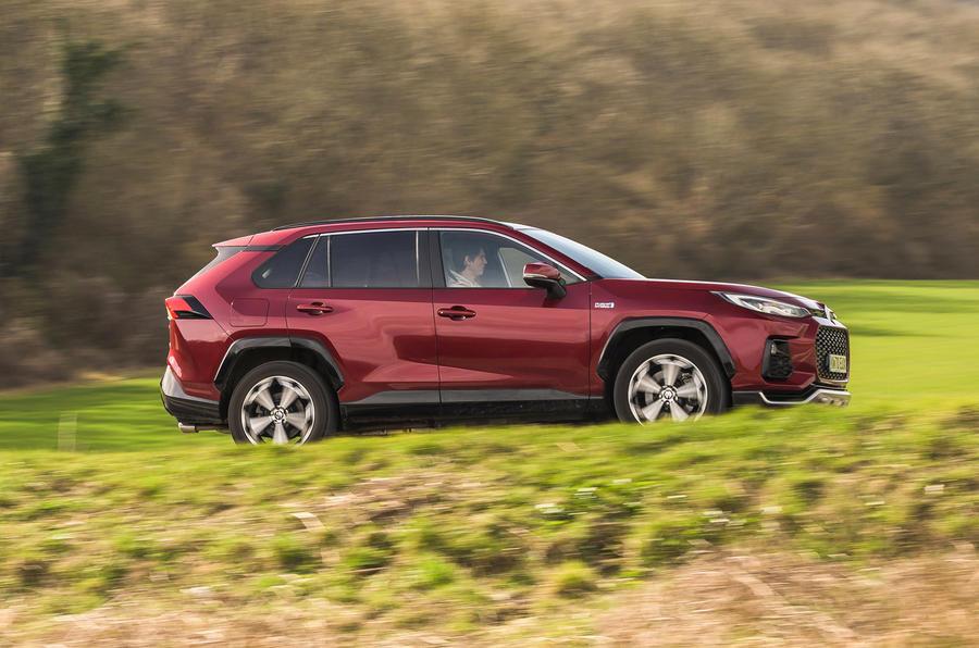 2 Suzuki Across 2021 : essai routier, revue de presse, côté héros
