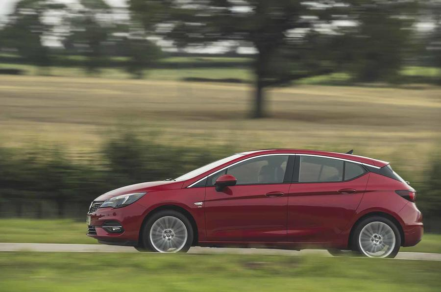 Vauxhall Astra 2019 road test review - hero side