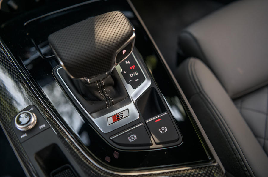 Audi S4 TDI 2019 road test review - gear shifter