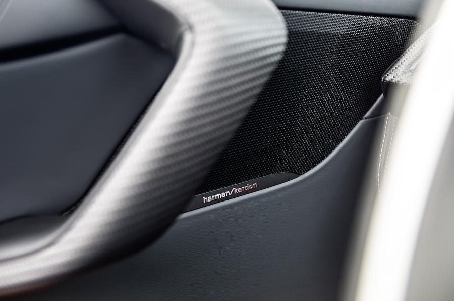 BMW i8 Roadster 2018 review speakers