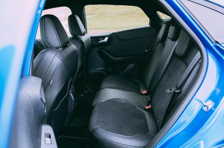 20 Ford Puma ST 2021 : essai routier des sièges arrière
