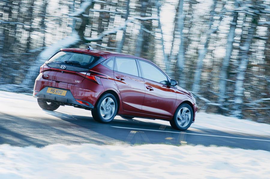 20 Hyundai i20 2021 : examen de l'essai routier sur l'arrière
