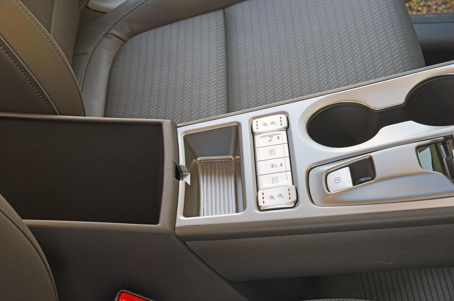 Hyundai Kona Electric 2018 road test review - centre console
