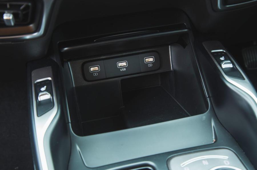 20 Kia Sorento 2021 : examen de l'essai routier ports USB