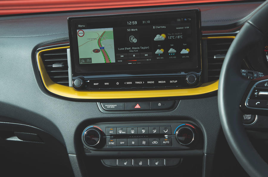 Kia Xceed 2019 road test review - infotainment