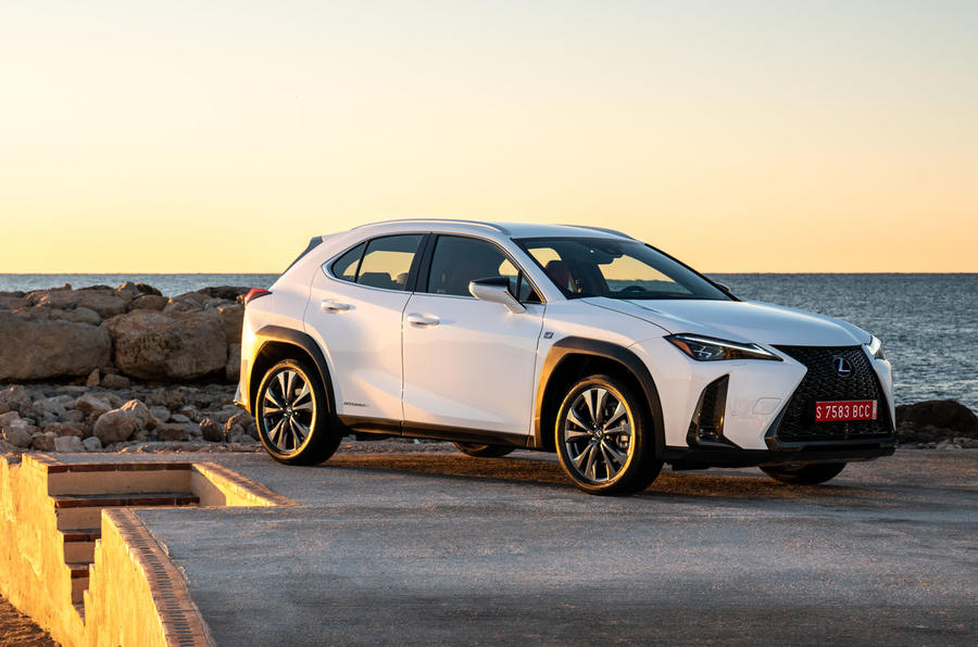Lexus UX 2019 road test review - static front
