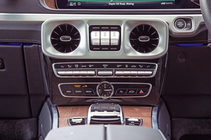 Mercedes-Benz G-Class 2019 road test review - centre console